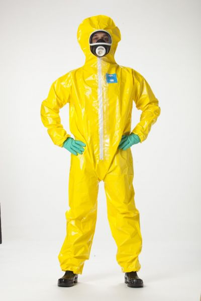 Coverall with hood (Cat III, Typ 3-B, Typ 4-B, Typ 5-B and Typ 6-B protective clothing